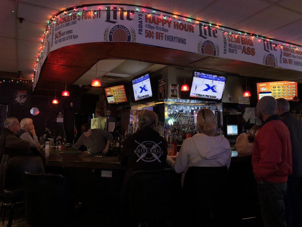 Montgomery Towne Tavern: 10813 Montgomery Rd, Cincinnati, OH