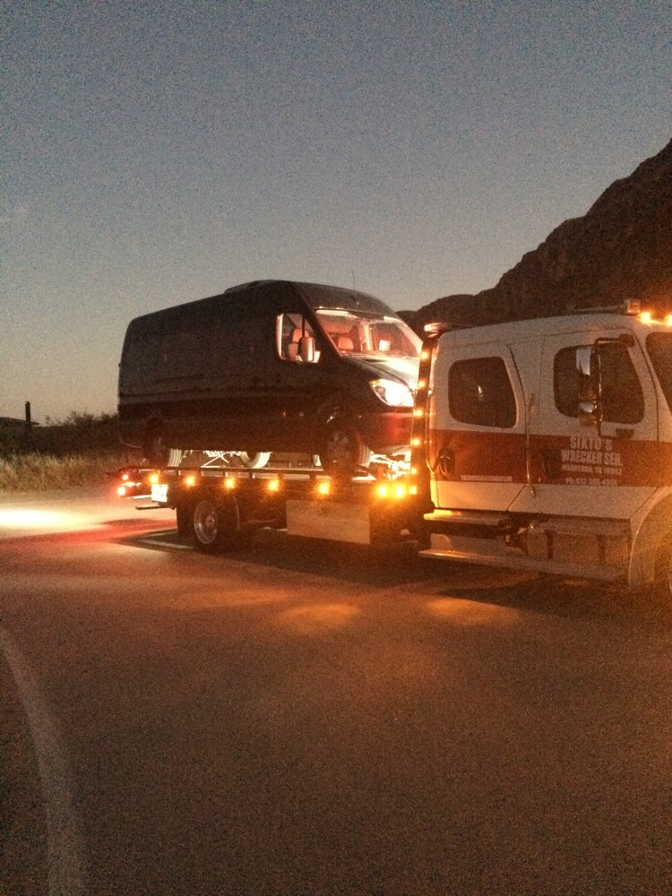 Sixto Wrecker Service: 901 NW 1st St, Marathon, TX
