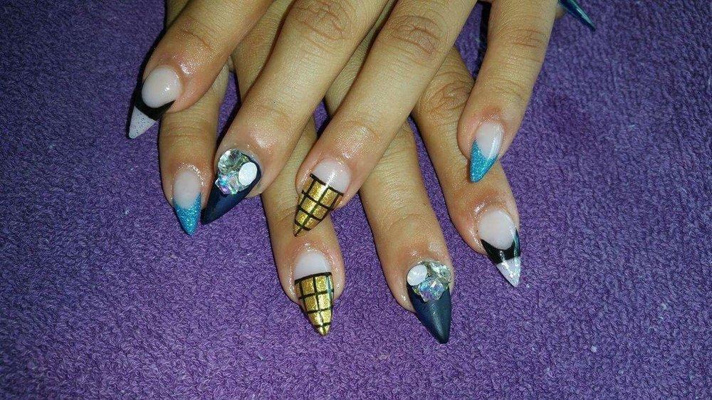 Kissy Nails: 110 N St Francis, Wichita, KS