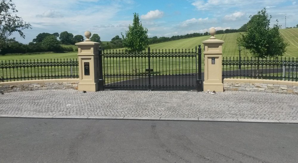 Period gates uk 11 photos portails et cl tures unit for Fenetre rd scott la