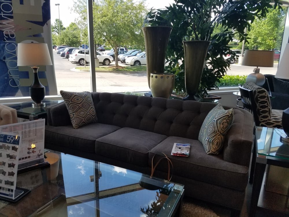 Rooms to go furniture store cool springs 22 reviews for Furniture stores in us
