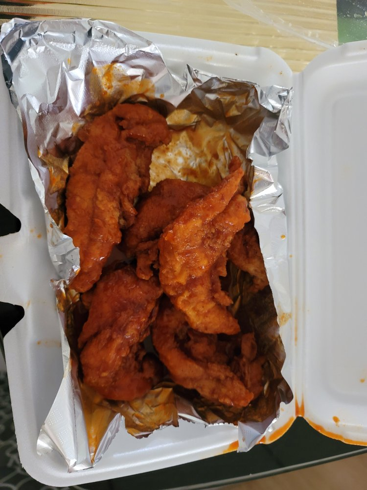 Mikes Wings & Seafood: 2968 Jog Rd, Greenacres, FL