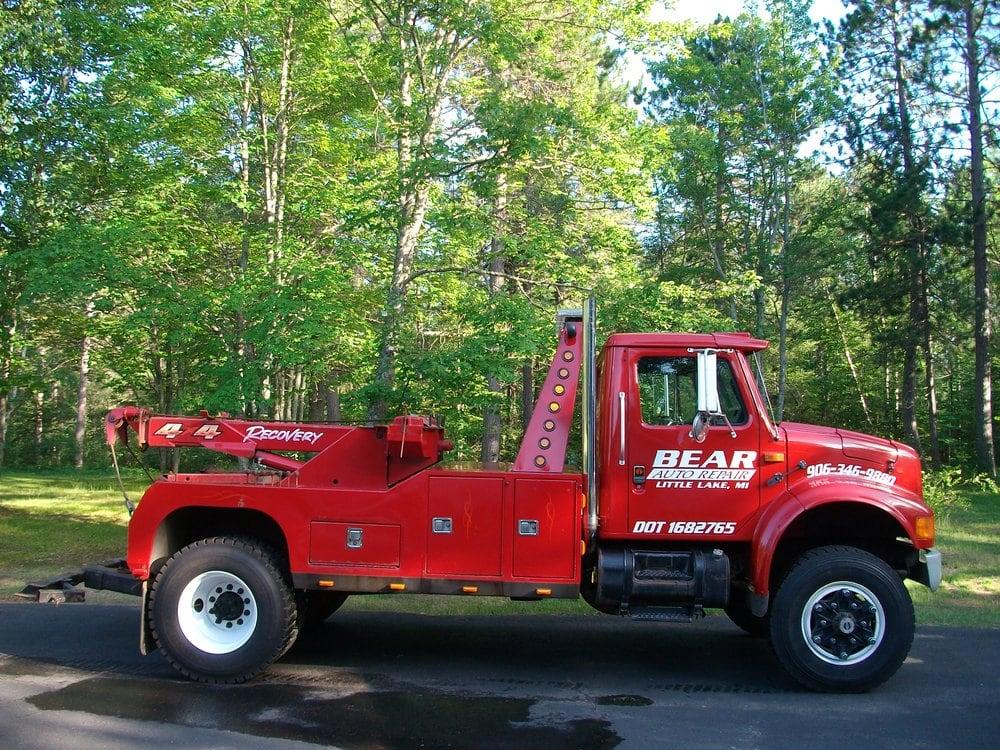 Bear Auto Repair: 1670 E M-35, Gwinn, MI