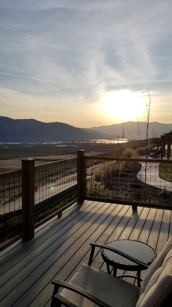 Lone Point Cellars: 6 Lakeview Way, Brewster, WA