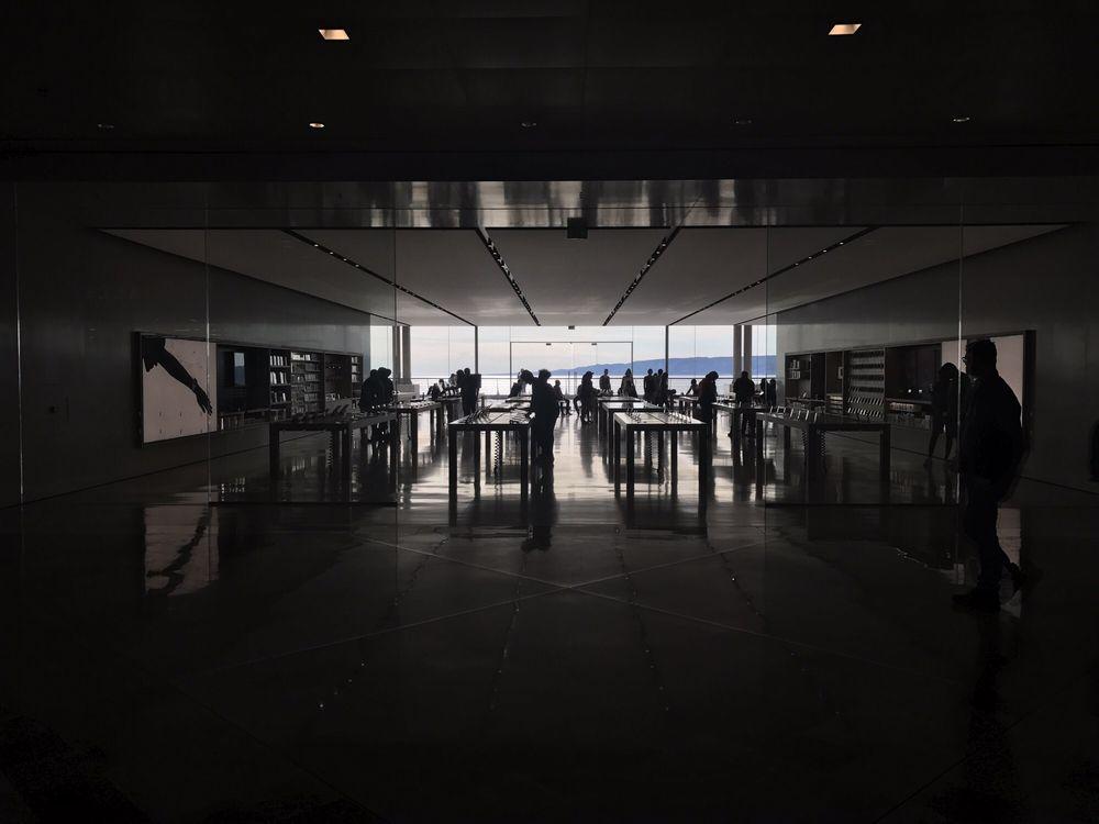 Apple store 10 billeder computere 9 quai du lazaret - Apple store marseille terrasse du port ...
