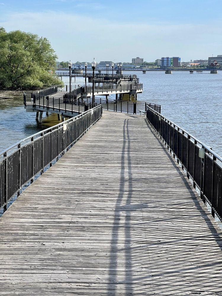 Riverwalk Pier: S Arbor St, Bay City, MI