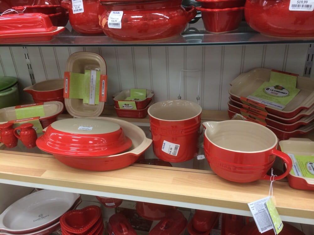 Le Creuset Potteries! - Yelp