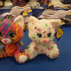 47d793aa173 Build-A-Bear Workshop - 13 Reviews - Toy Stores - 925 Blossom Hill ...