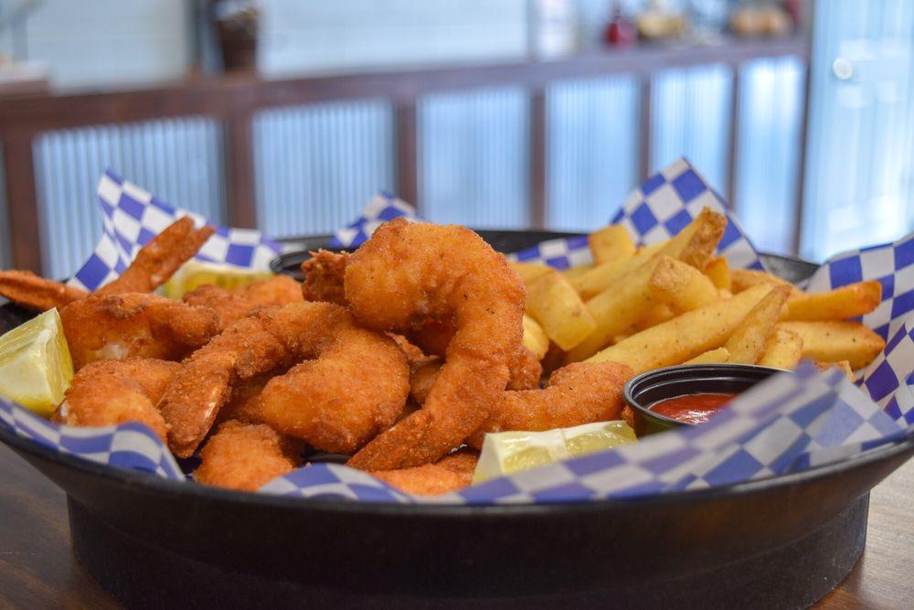 Chum's Shrimp Shack: 116 Penny Ave, East Dundee, IL