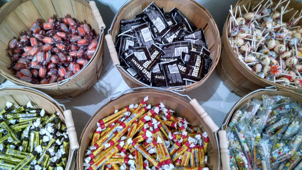 Ely's Old-Fashioned Candy: 228 E Sheridan St, Ely, MN