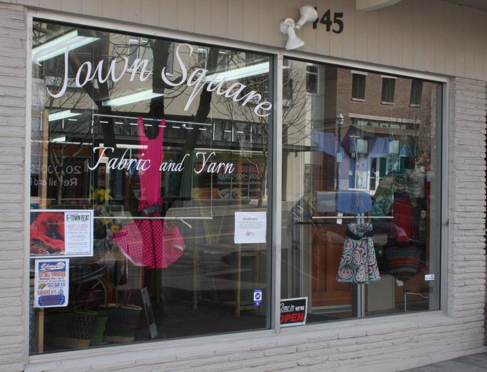 Town Square Fabric & Yarn