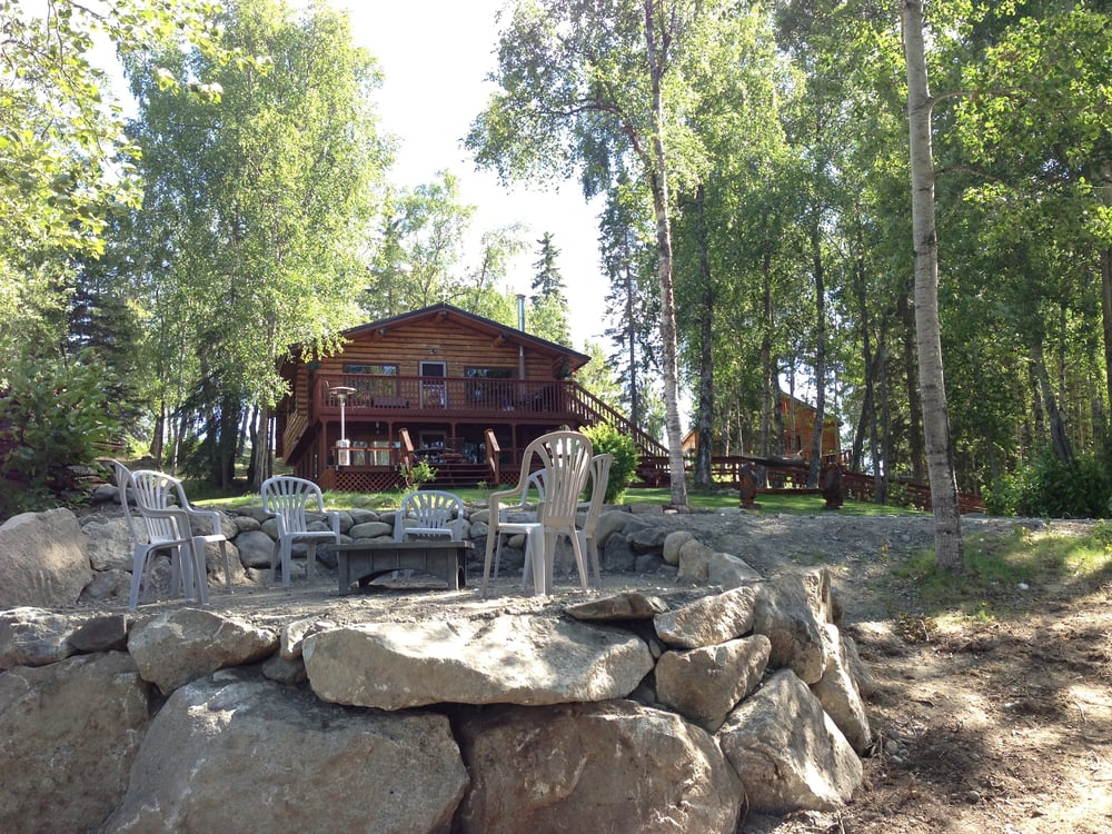 Beautiful lakefront lodging large log home and 3 cabins for Alaska fishing lodge