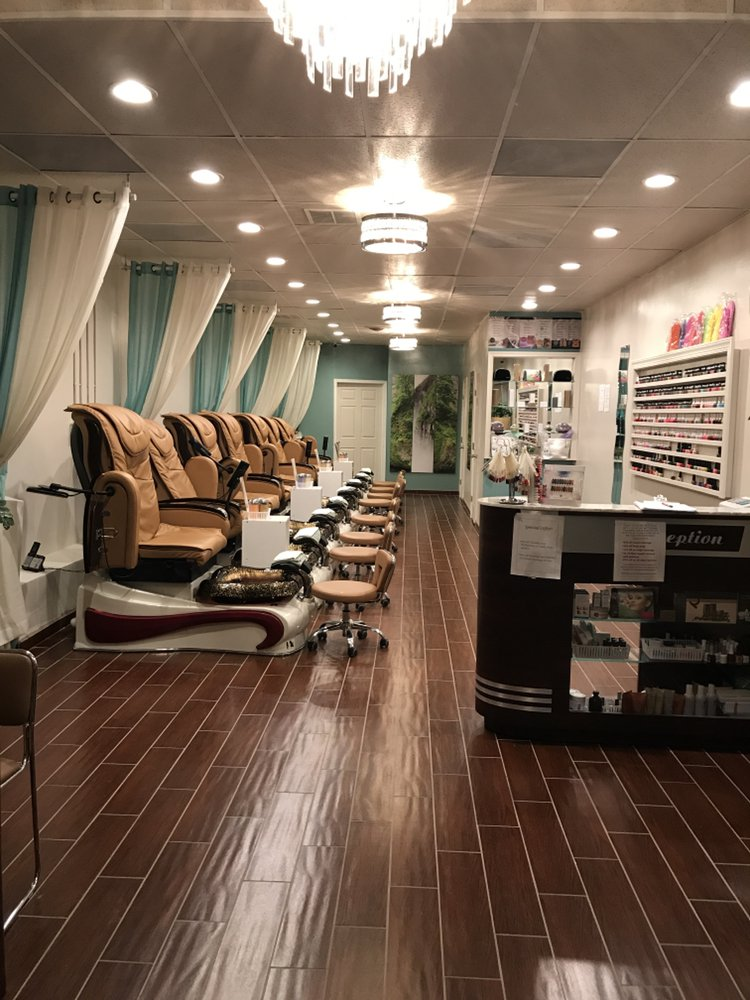 Natural Nails & Skincare: 227 Fox Hill Rd, Hampton, VA