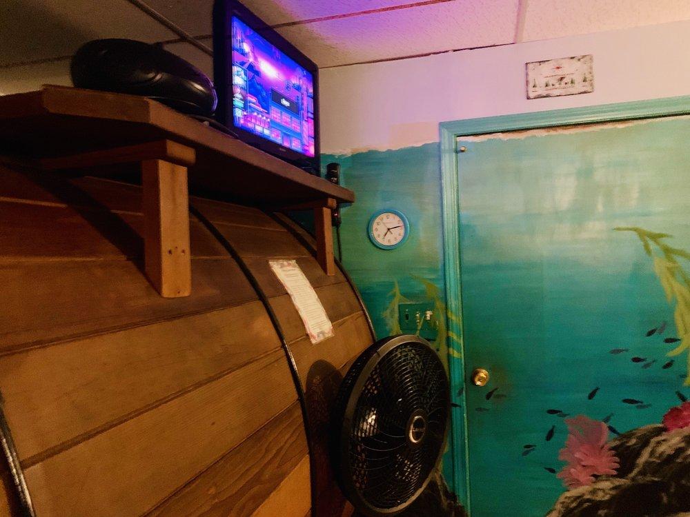 Tub House & Tanning: 224 N Yenlo St, Wasilla, AK