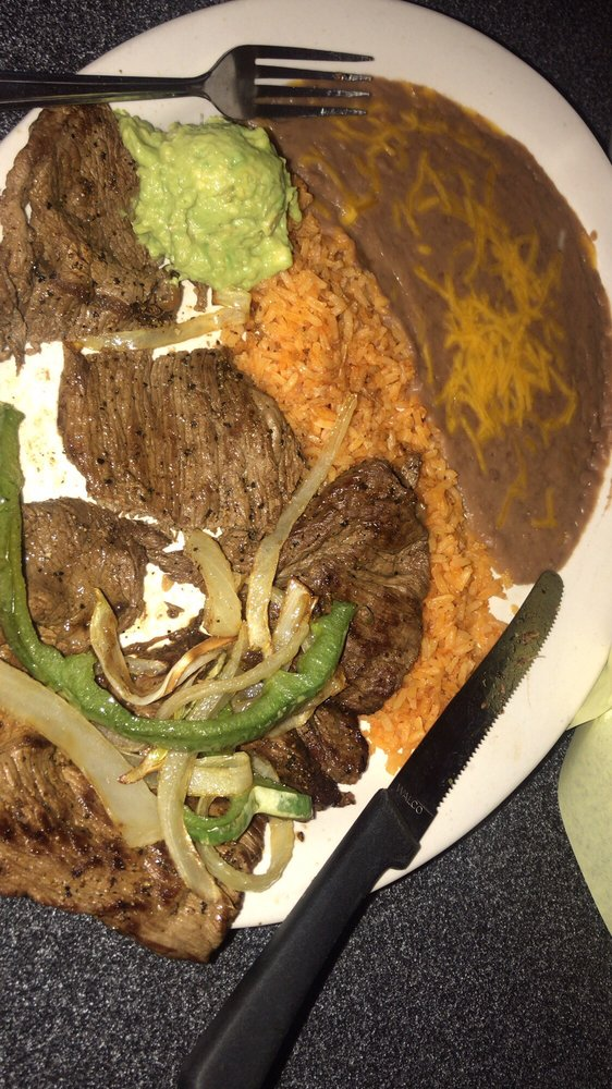 Jalapenos Restaurant: 720 E Quinlan Pkwy, Quinlan, TX