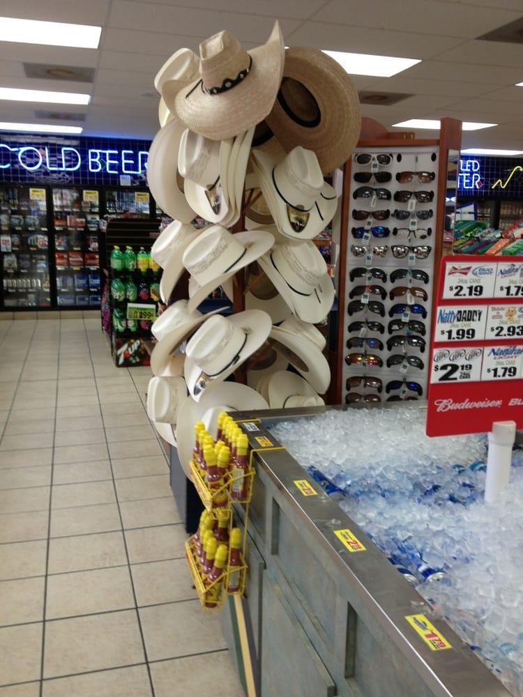 El Tigre Food Store: 4504 N US Highway 83, Roma, TX