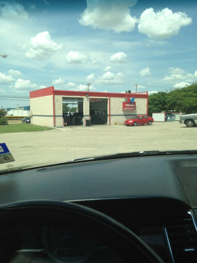 Valvoline Instant Oil Change: 710 E Ave D, Copperas Cove, TX