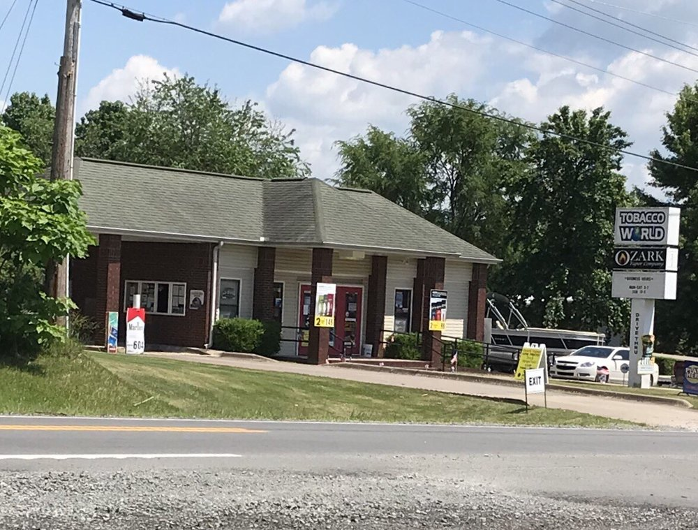 Tobacco World Of Greers Ferry: 8548 Edgemont Rd, Greers Ferry, AR