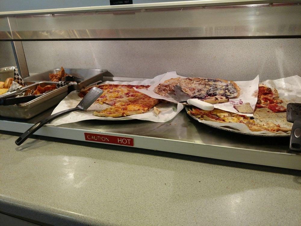 Sammy's Pizza: 126 W 2nd St, Winona, MN