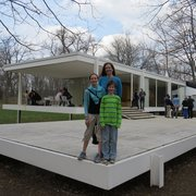 Minimalism And Photo Of Farnsworth House Visitor Center   Plano, IL, United  States.