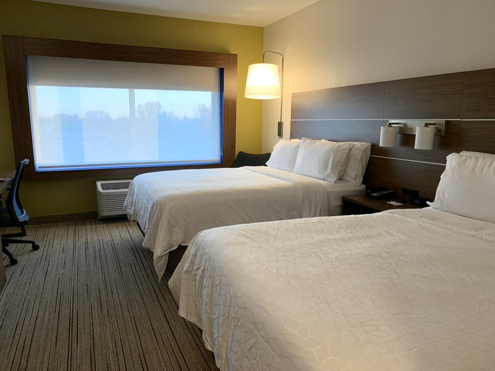 Holiday Inn Express & Suites West Des Moines - Jordan Creek: 240 Jordan Creek Pkwy, West Des Moines, IA