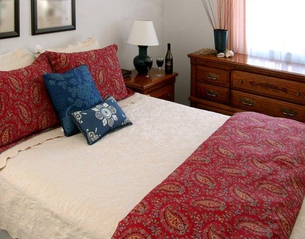 Redwood Suites: 332 Ocean Ave, Ferndale, CA