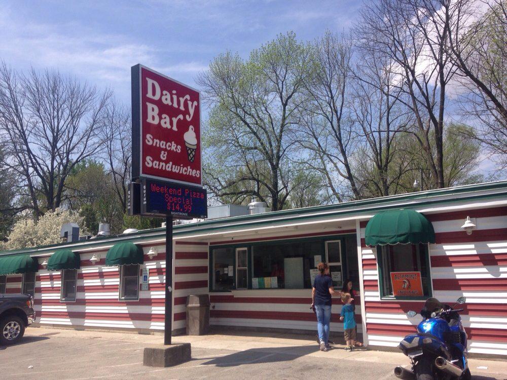 Schultz's Dairy Bar: 600 S Main St, Altamont, IL