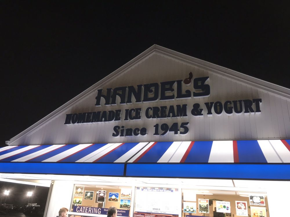 Handel's Ice Cream: 4800 Mahoning Ave, Youngstown, OH