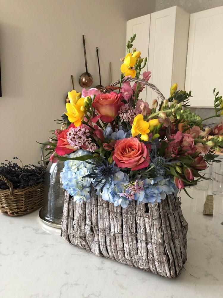 Blossoms Floral Designs: 6401 Woodway Dr, Houston, TX