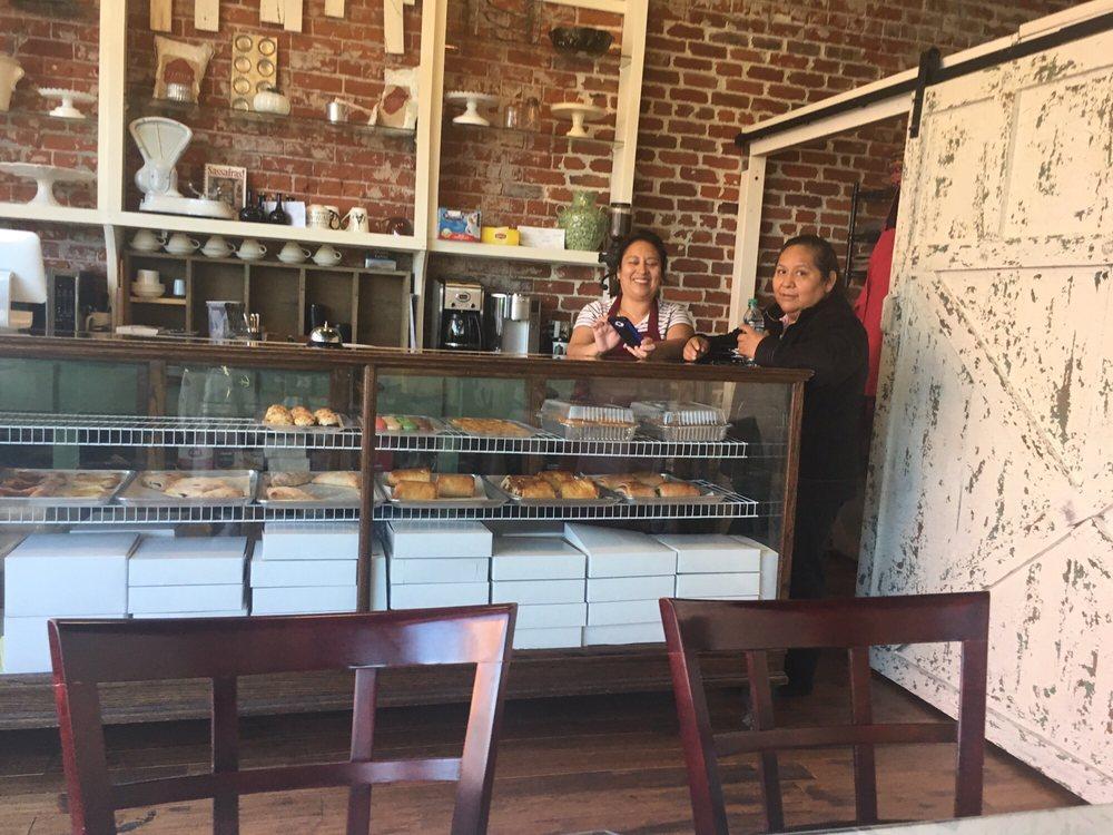 Sassafras Bakery: 408 N Main St, Fremont, NE