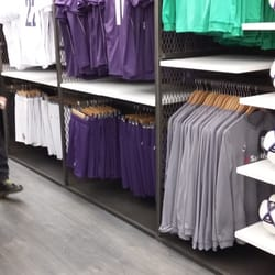 Fiorentina Store - 25 foto - Articoli sportivi - Borgo San Lorenzo ...