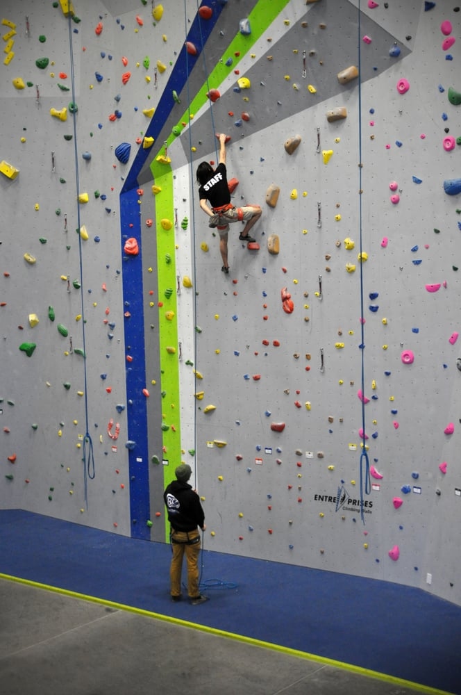 Bend Rock Gym: 1182 SE Centennial Ct, Bend, OR