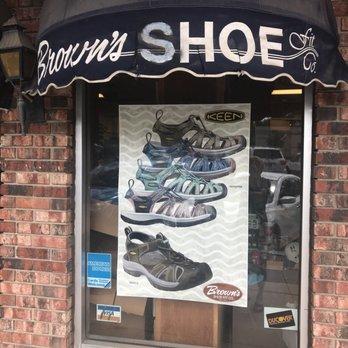 1a4fd930e5ec3a Browns Shoe Fit Company - Shoe Stores - 829 Massachusetts St ...