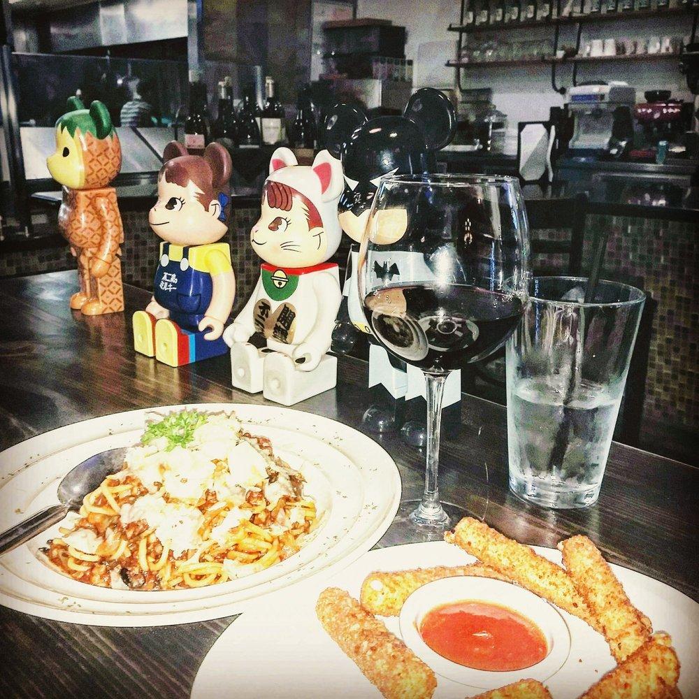 "California Pizza Kitchen Orlando: ""Cheese George... Cheese"""