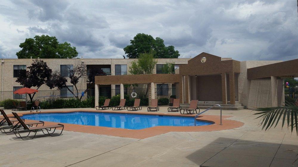 Wellington Place Apartments Albuquerque