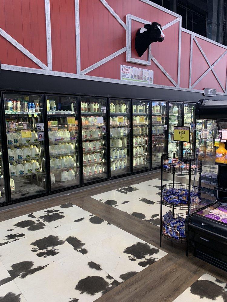 Coborn's Marketplace: 209 6th Ave NE, Isanti, MN