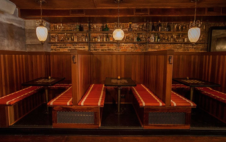 [Queen Mary Tavern] Conociendo a Miss Fiona (Fiona y Hanna) O