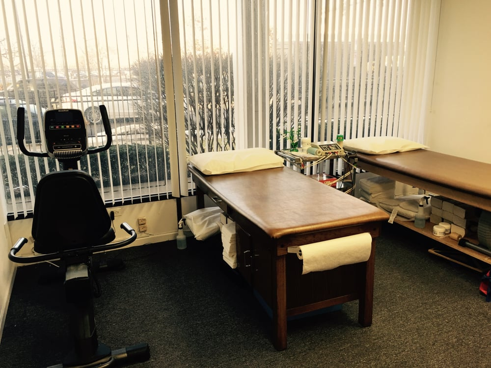 Access Physical Therapy: 2600 S Michigan Ave, Chicago, IL