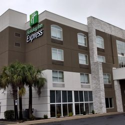 Express Columbia Sc >> Holiday Inn Express Columbia Two Notch Hotels 8300 Two