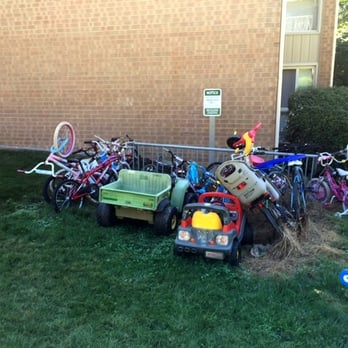 Photo Of Rollins Park Apartments   Rockville, MD, United States. Family  Unfriendly Policies