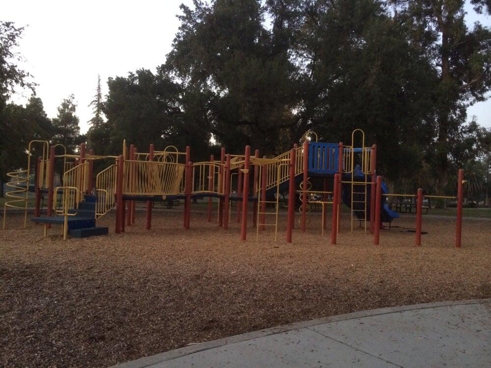 Roeding Park 12 Photos Parks 890 W Belmont Ave