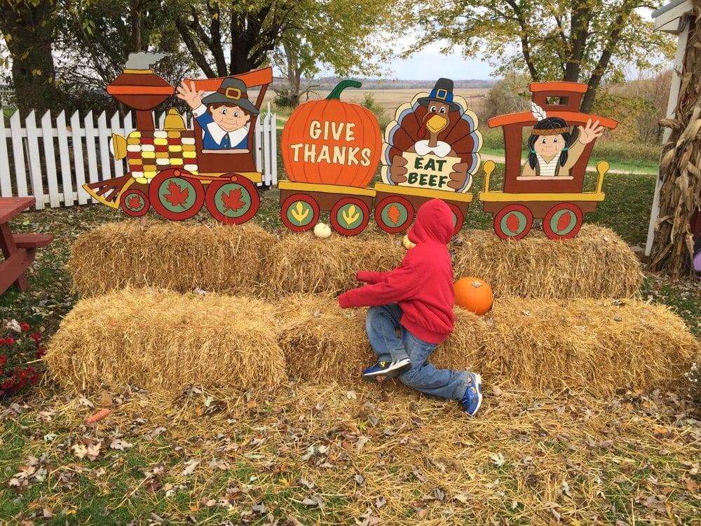 Aholt Farms Seasons of Fun: 6133 Augusta Bottom Rd, Augusta, MO
