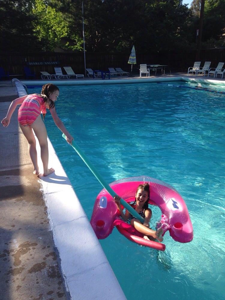 Dvra swim club 10 photos swimming pools 2515 san - Club mahindra kandaghat swimming pool ...