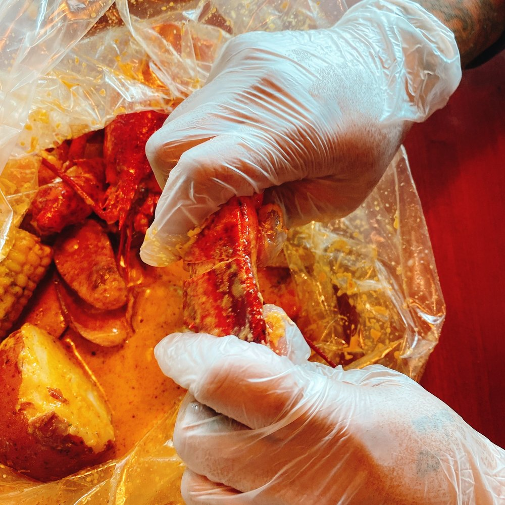 Million's Crab Boiled Seafood: 7866 Tylersville Square Dr, West Chester, OH