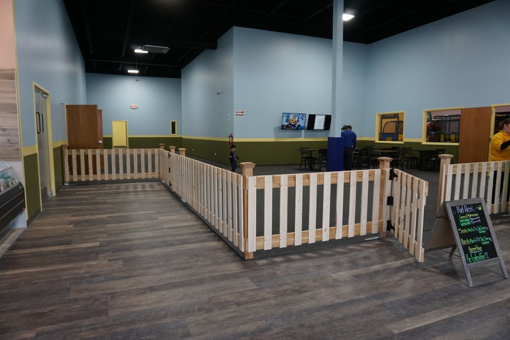 Bumblebee Play Cafe: 1015 N Randall Rd, Elgin, IL