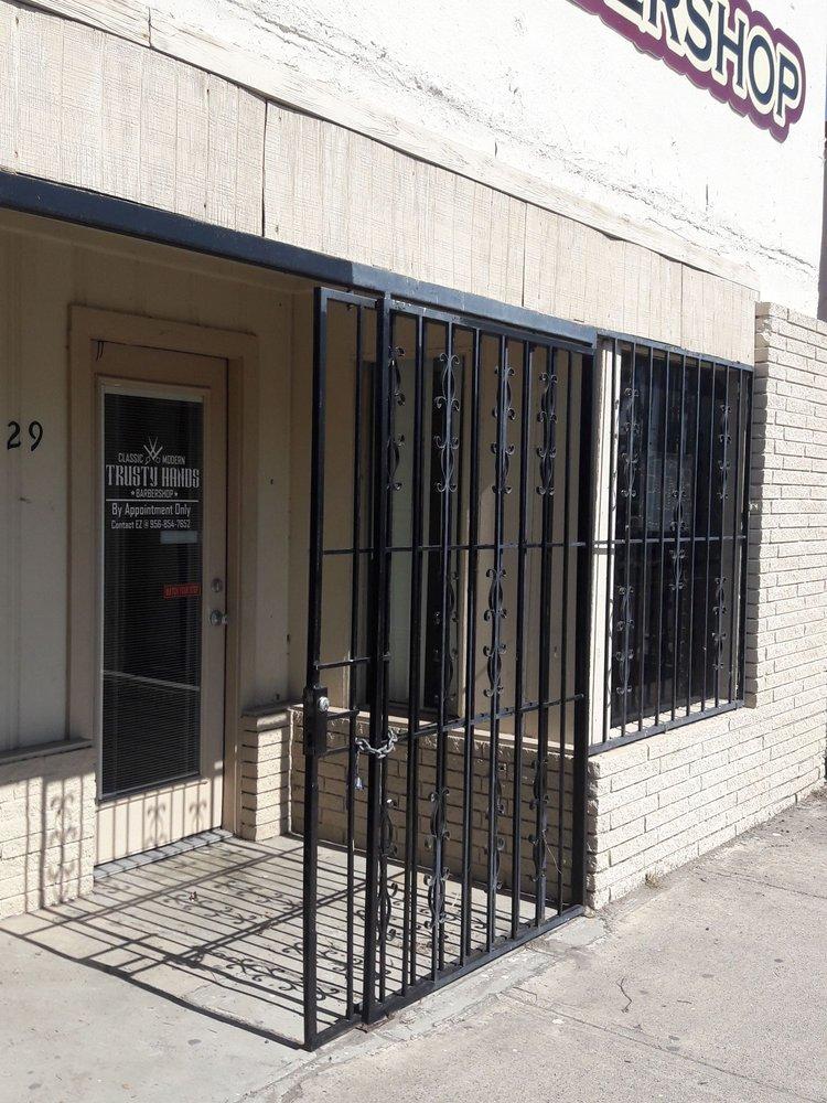 Trusty Hands Barber Shop: Weslaco, TX