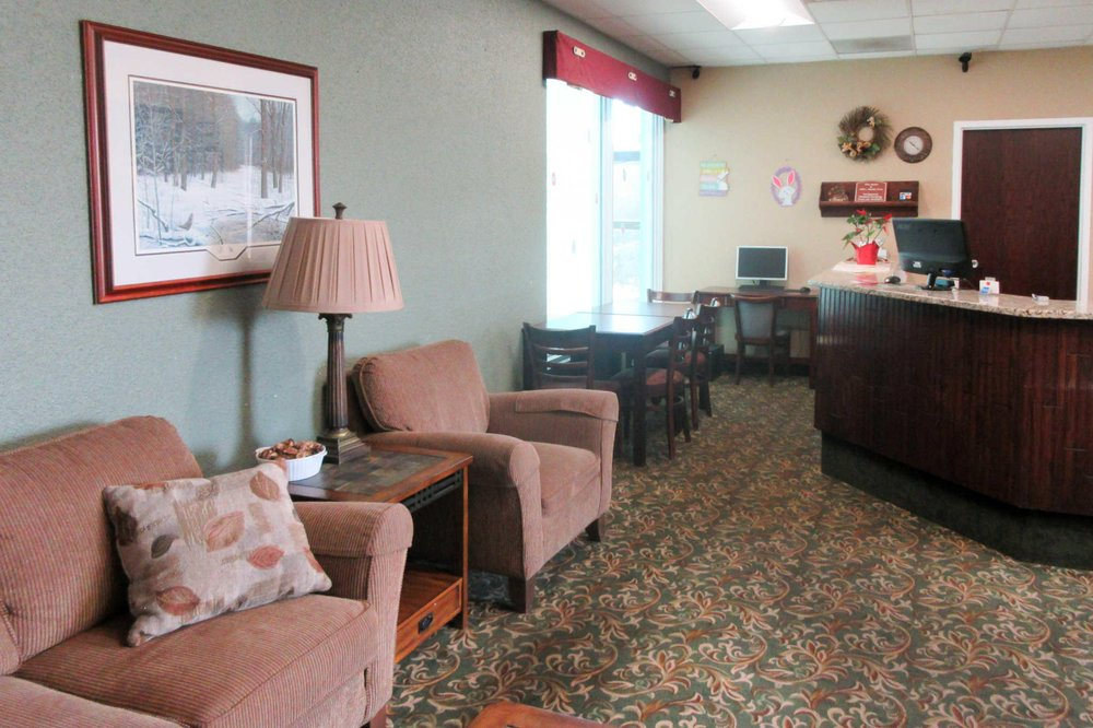 Econo Lodge: 3120 8th St S, Wisconsin Rapids, WI