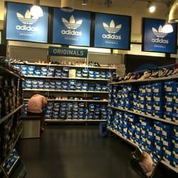 Adidas Shop - 11 Photos - Active Life - Designer Outlet Parndo 26 ... 19b596a3e49