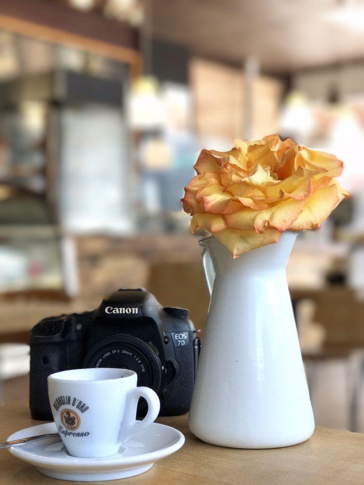 Cachito Coffee & Bakery