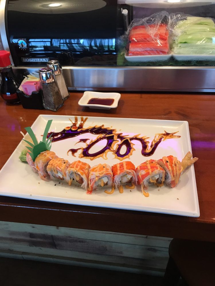 Toke Sushi & Grill: 2675, 2707 2nd Ave E, Oneonta, AL